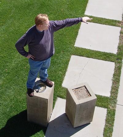 Statue Matt pointing.
